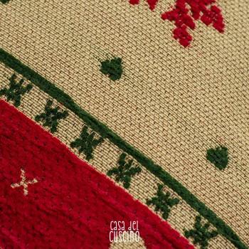 Sasso Vernale cuscino arredo stile tirolese con motivi rossi e verdi su fondo nocciola
