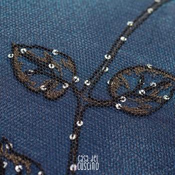 Vega cuscino arredo rettangolare in tulle e organza doppiate su fodera in cotone blu, con paillettes
