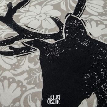 Stelvio cuscino arredo grigio con sagoma di cervo nero
