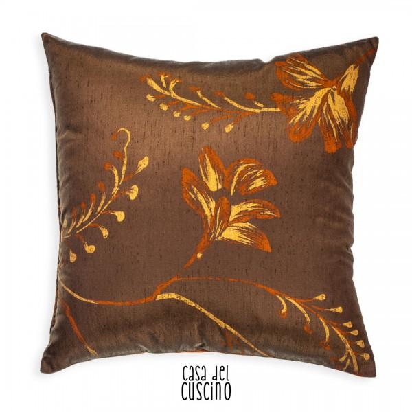 Iris cuscino arredo marrone con motivi ramage arancioni