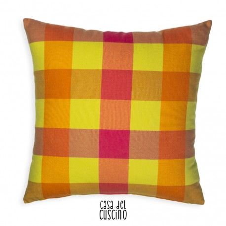 cuscino arredo a quadretti giallo rosa e arancio fluo