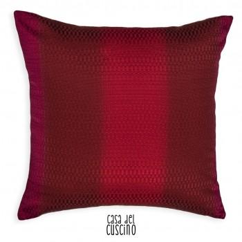 cuscino arredo moderno a fasce verticali colore rosso e magenta
