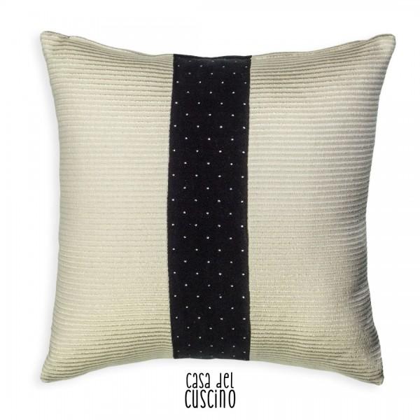 cuscino arredo bianco con fascia nera in velluto con pois argento