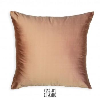cuscino arredo in seta rosa con motivo damascato argento e retro tinta unita rosa chiaro